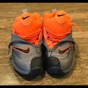 dc4f83ac44531 Nike Shoes - Nike Air Zoom Flight - The Glove Gary Payton Sz 8